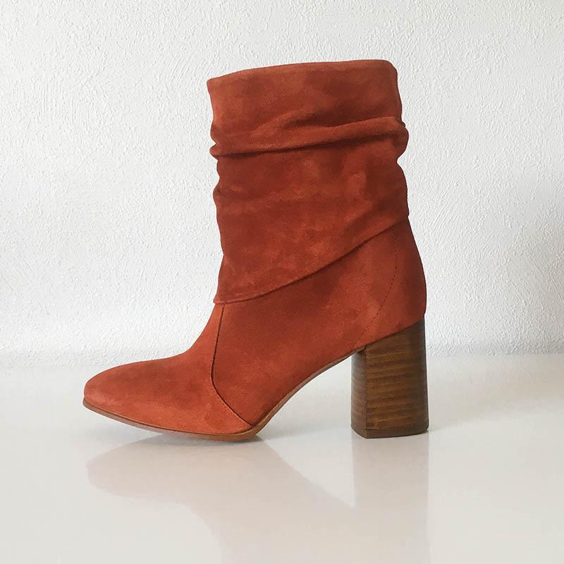 Kanna - bottine daim orange drapée chez Chérie Chaussures à Annecy