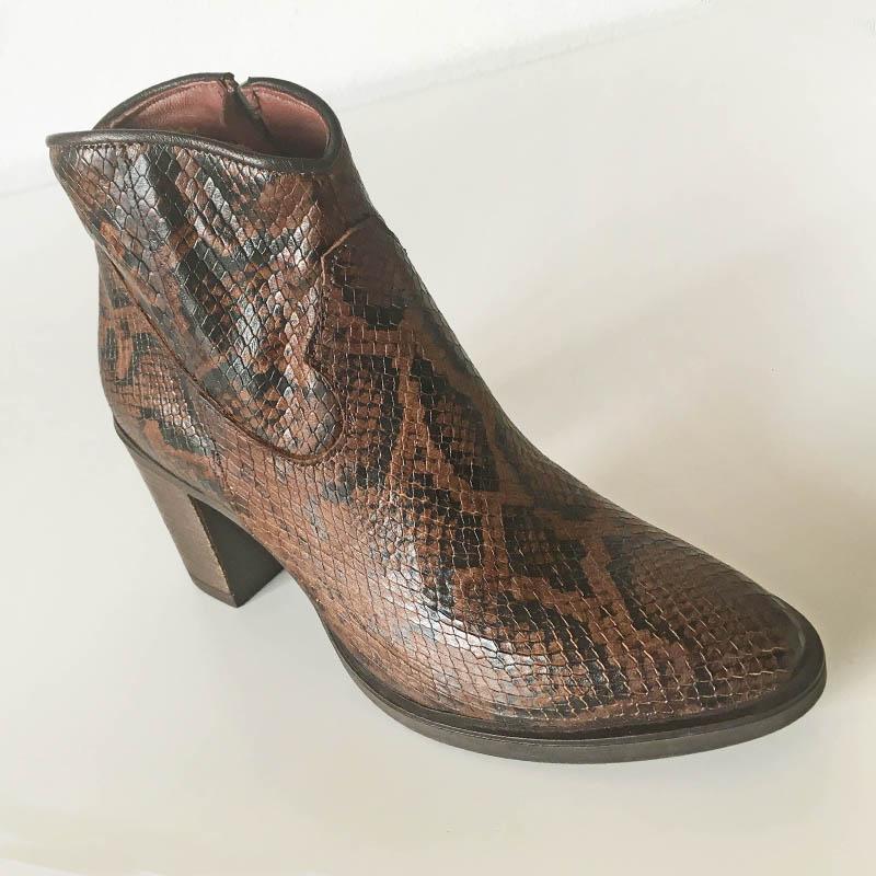 Mjus - Bottine imitation python avec belle hauteur de talon chez I Lov Shoes Annecy