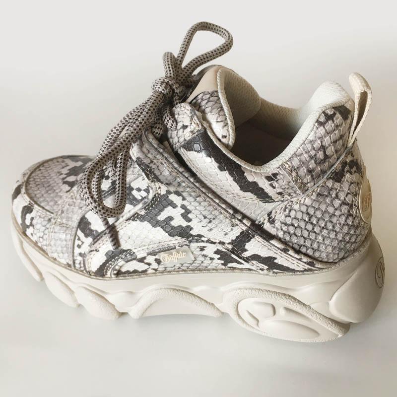 Buffalo - basket blanche serpent semelle nuage chez Trendy Shoes