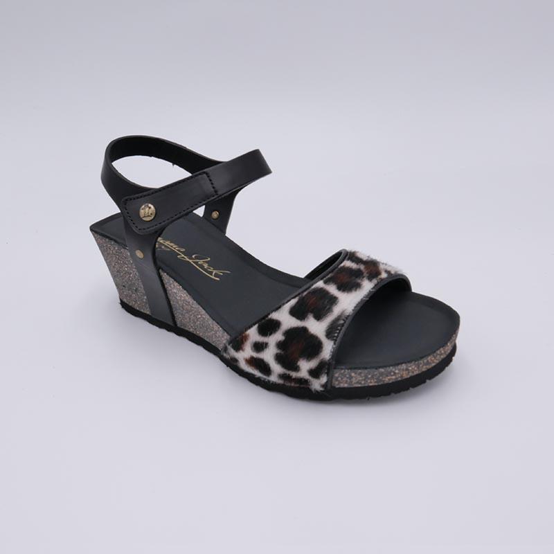 PanamaJack-sandale-plateau-motif-vache-fourrure-mode2020