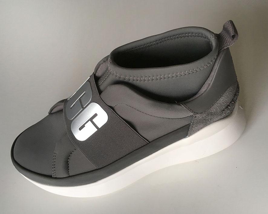 Bottine UGG veau velours noir à semelle compensée chez Chérie Chaussures Annecy