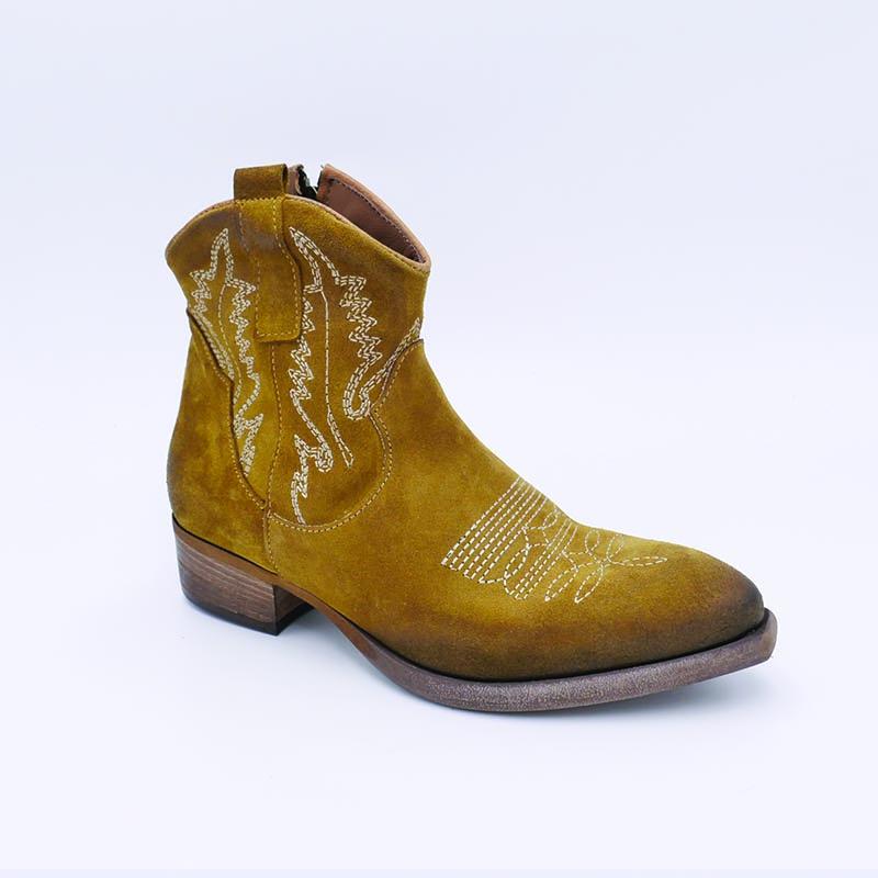 Tiag-nubuck-Zoé-new-Cherie-Annecy-fashion