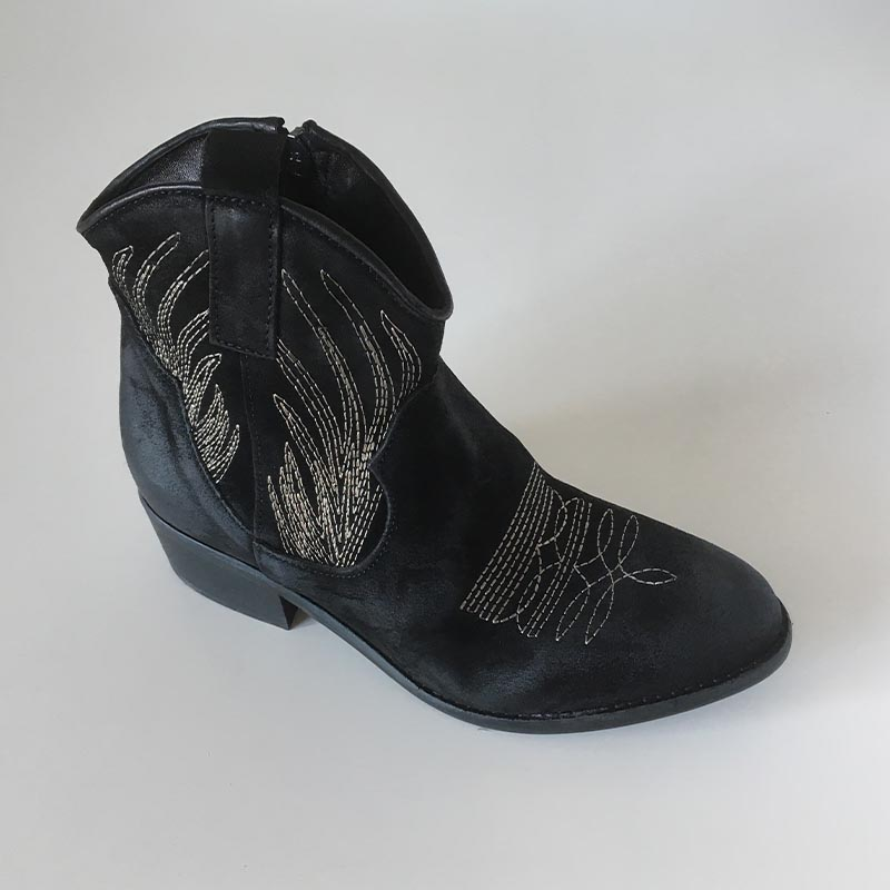Tiag-boots-Zoé-nubuck-noir-country-Annecy