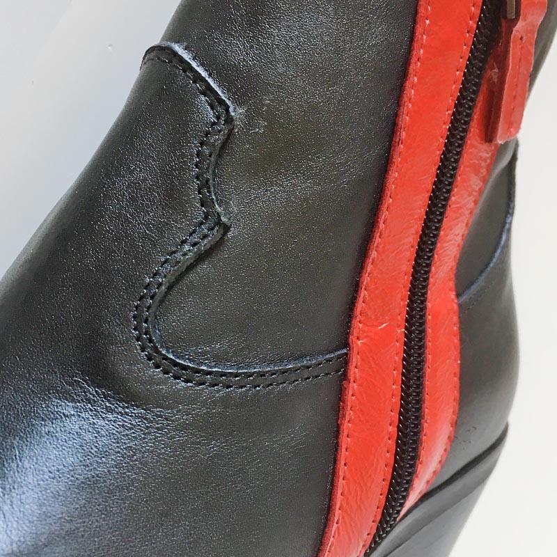 Semerdjian - bottine tiag noir avec les 2 bandes de cuir rouges flamboyantes chez Chérie Chaussures Annecy (détail)