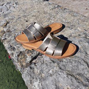 mule en cuir de couleur or marque Semerdjian en vente chez chérie chaussures